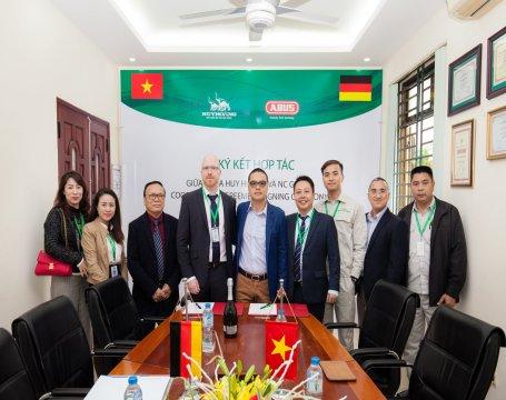 Lễ ký kết hợp tác Khóa Huy Hoàng và NC Group (Đại diện chính thức tại Việt Nam của khóa ABUS, CHLB Đ