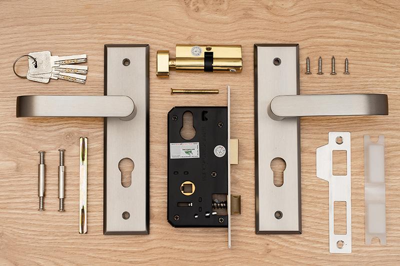 khóa tay nắm, khóa tay gạt, khóa cửa thông phòng