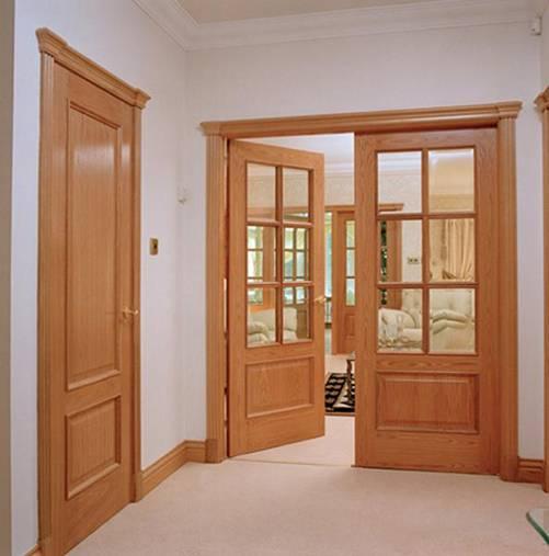 Nên mở cửa vào phía trong lòng nhà