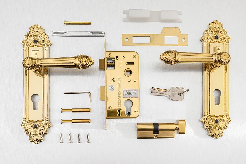 khóa tay năm, cổ điển, tân cổ điển, hiện đại